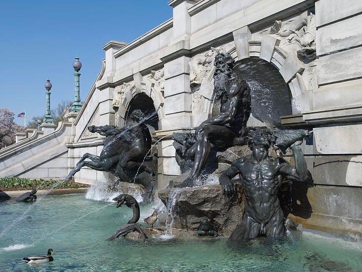 Neptune Fountain America US