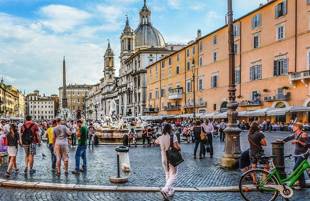 Fontana del Nettuno Neptune Piazza Navona Rome Italy