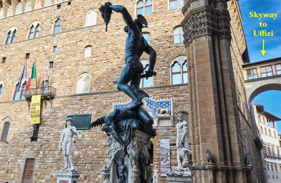 Perseus with the head of Medusa next to Uffizi Gallery