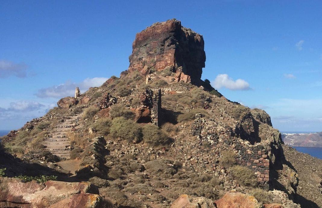 Skaros rock Santorini Imerovigli