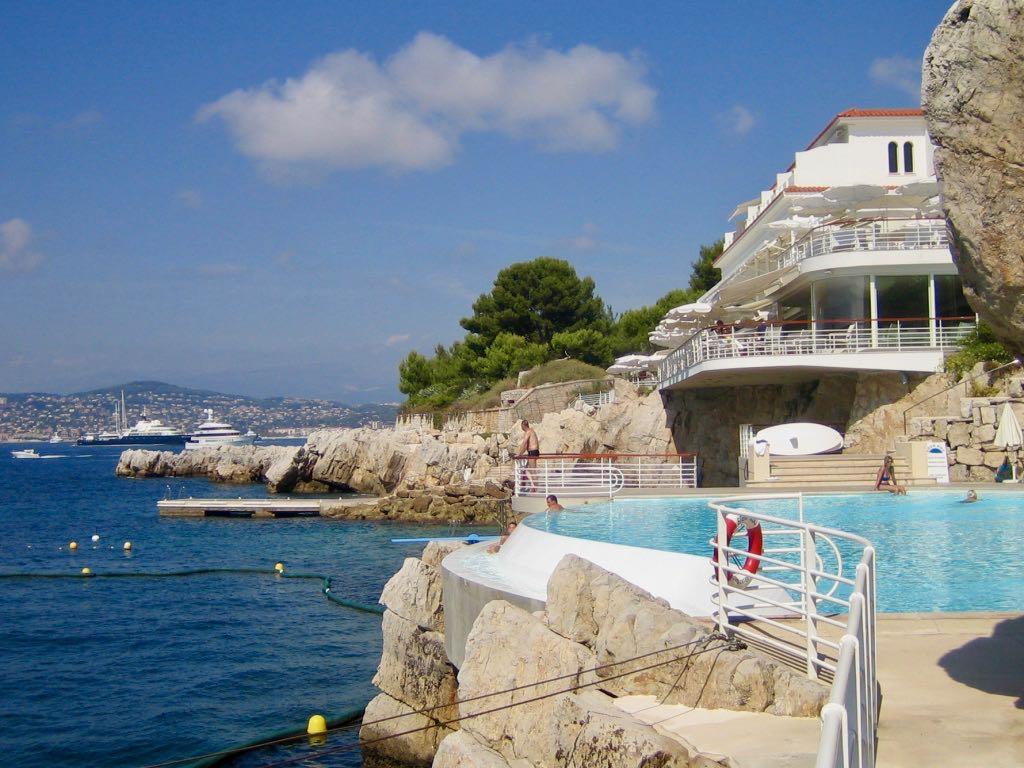 Hotel du Cap Eden Roc pool area in Cap d'Antibes