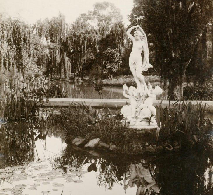 Venus rising from the sea statue Adelaide Botanic Gardens